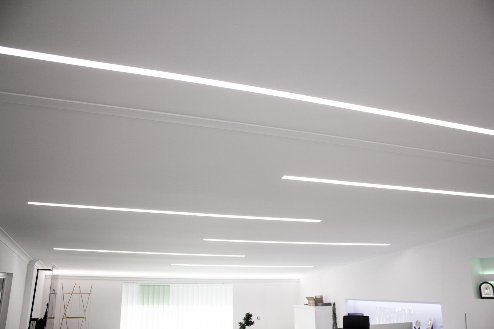 KD402 indirekte Beleuchtung 1,15 m lichtundurchl/ässig Rigips Tesori Trockenbau XPS 150x55mm LED Profil