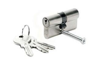 Profilzylinder mit 3 Schlüsseln montiert