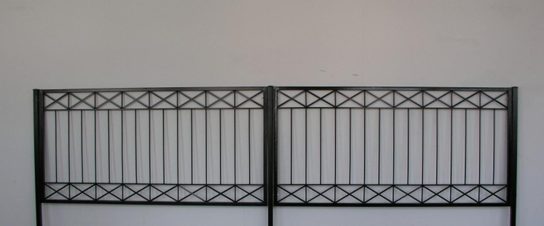 gartenzaun metall modern zaun balkongel nder crossline. Black Bedroom Furniture Sets. Home Design Ideas