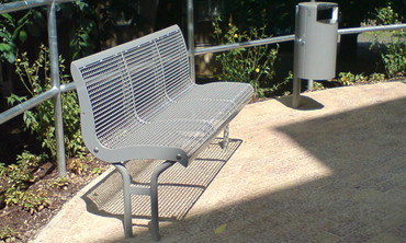 Parkbank BAKU aus Drahtgitter mit Rückenlehne und Standfuß in mehreren Ausführungen – Bild 4