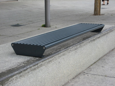 Parkbank MADRID für Sockelbefestigung ohne Rückenlehne – Bild 4