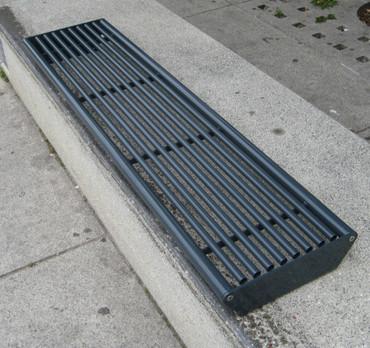 Parkbank MADRID für Sockelbefestigung ohne Rückenlehne – Bild 2
