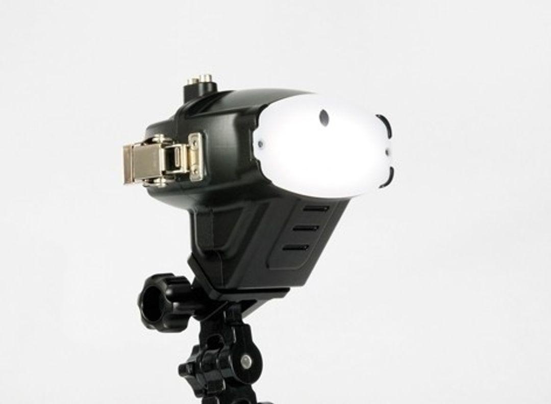 Nauticam NA-R200 Nikon SB-R200 flash