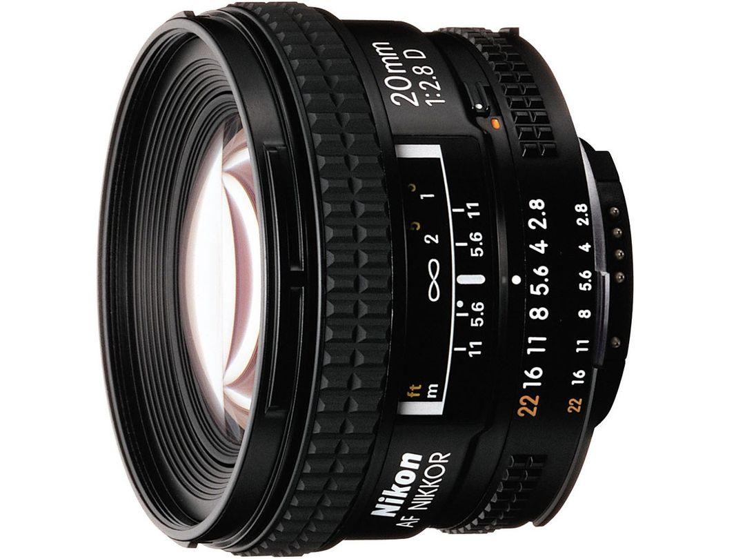 Nikon AF D 20mm f/2.8 Nikkor Superweitwinkel-Objektiv