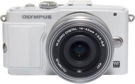 Olympus E-PL6 14-42 Pancake Expression Kit (weiß/silber) 001
