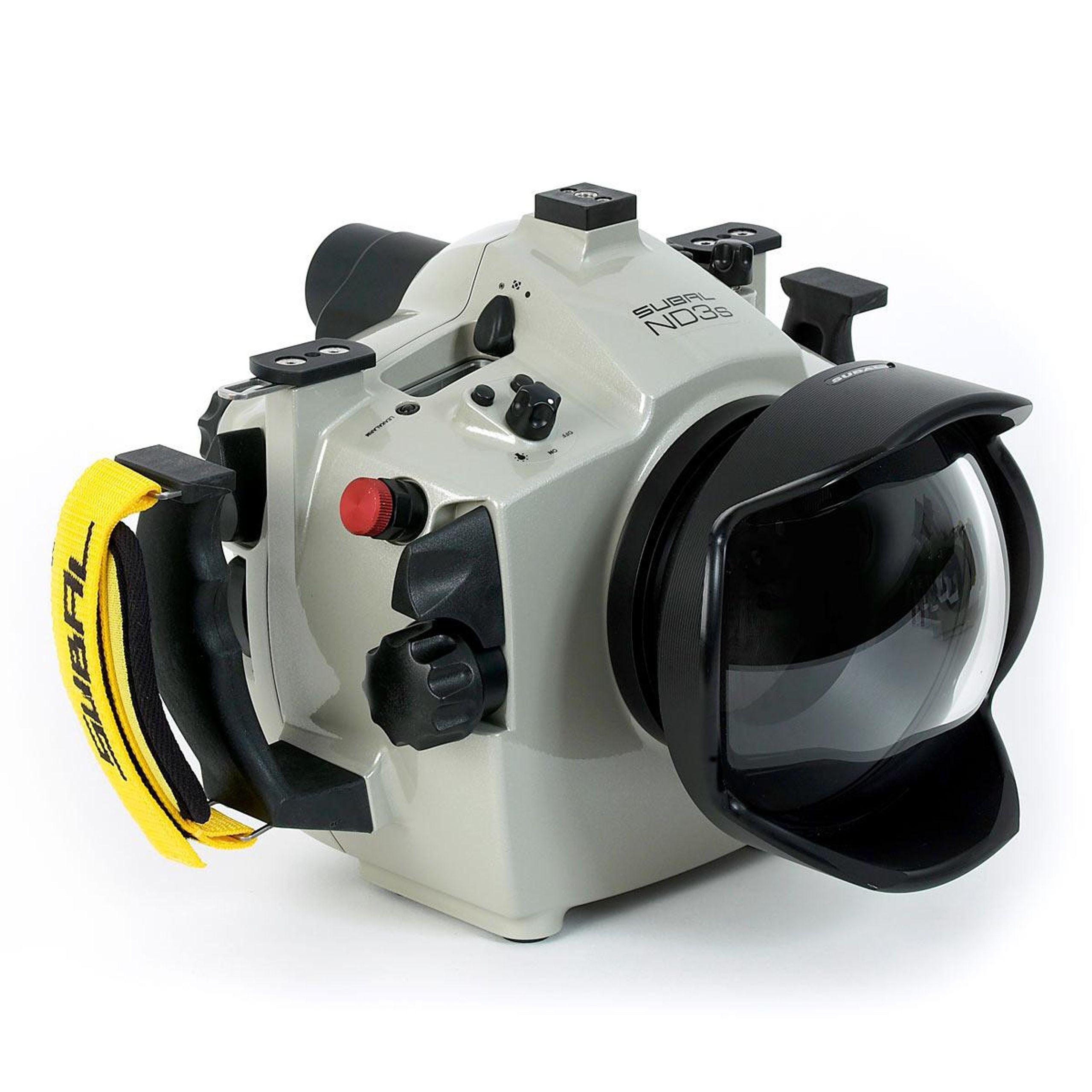 Analogkameras Nikonos V Mit Umfangreichen Zubehör