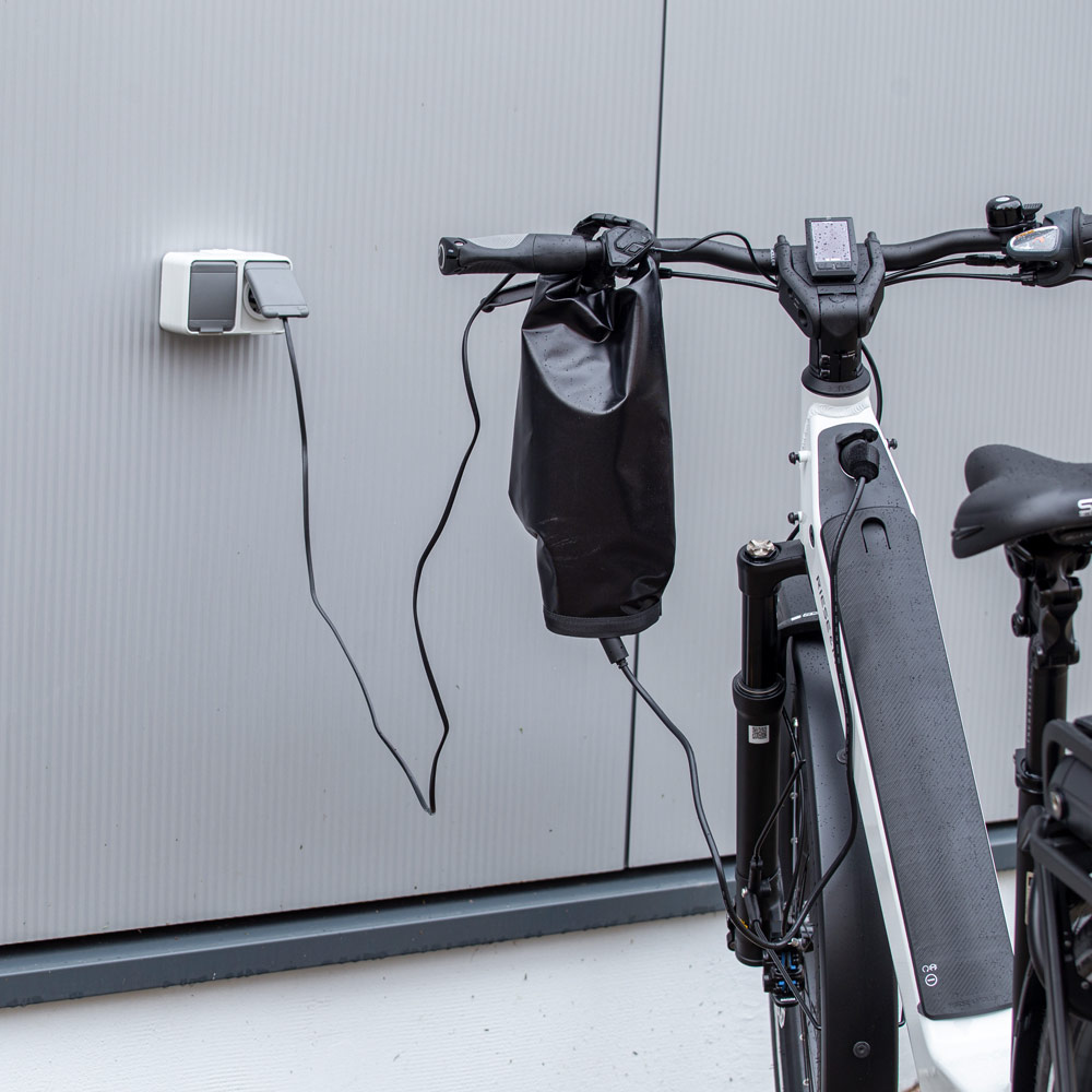 Charging Bag - mobile and waterproof