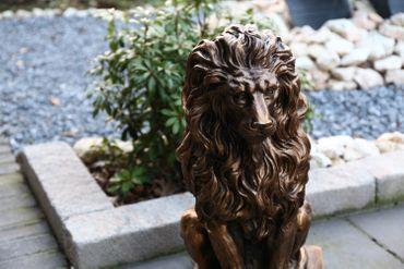 2er Set Deko Figur Statue Gartendeko Löwe Skulptur auf Podest 57 cm wetterfest