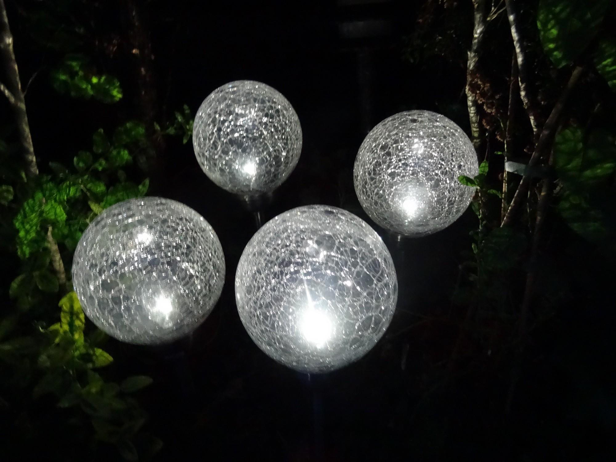 4er set solarleuchten kugelleuchten kristall edelstahl echtglas kugel 15 cm garten. Black Bedroom Furniture Sets. Home Design Ideas