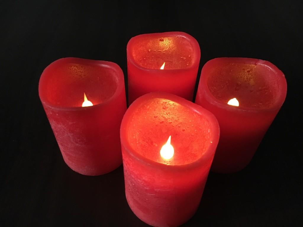 led kerzen fernbedienung rot oder wei echtwachs 4er set einzeln schaltbar weihnachten. Black Bedroom Furniture Sets. Home Design Ideas