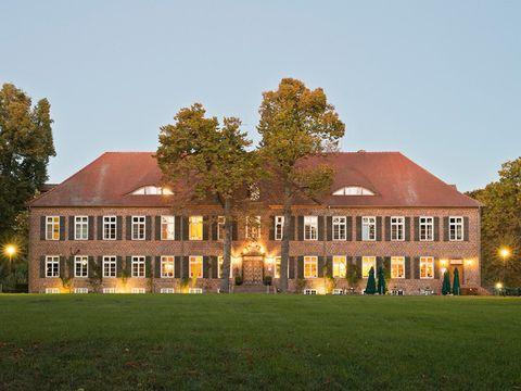 Meckl. Seenplatte - Hotel Gutshaus Ludorf - 4 Tage für Zwei inkl. Frühstück