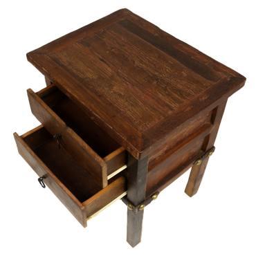 Nachttisch mit 2 Schubladen aus Teakholz Holznachttisch rustikal Antik Look mit Eisenbeschlägen Massiv Holz 60 cm Dunkelbraun  – Bild 4