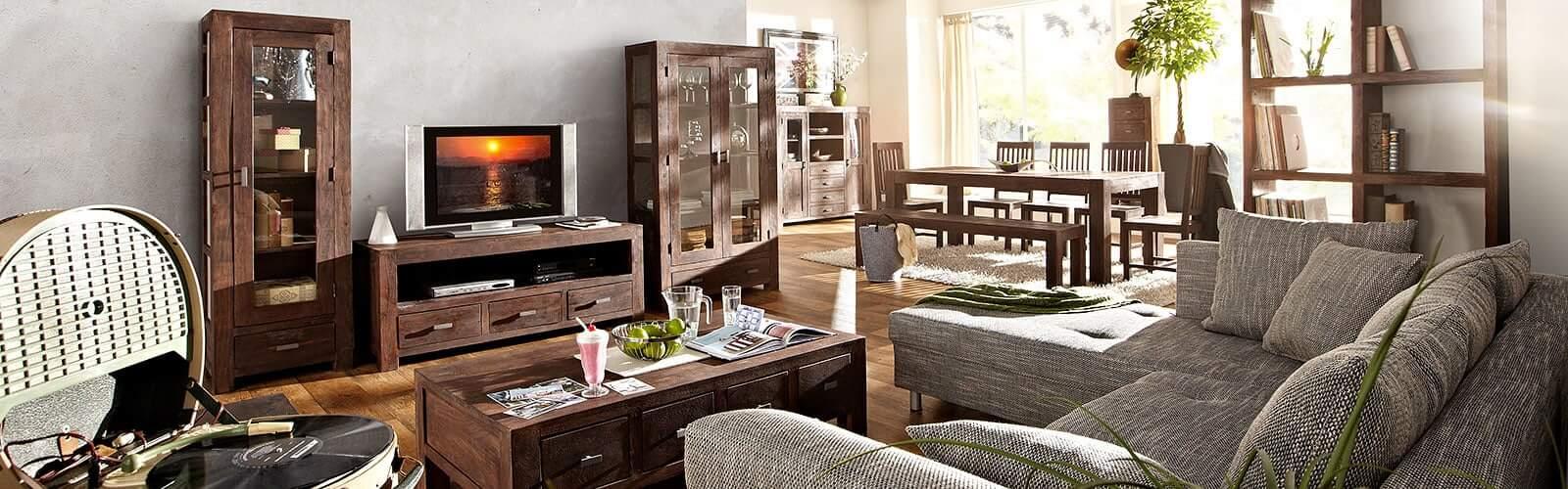 Möbel aus Akazieholz