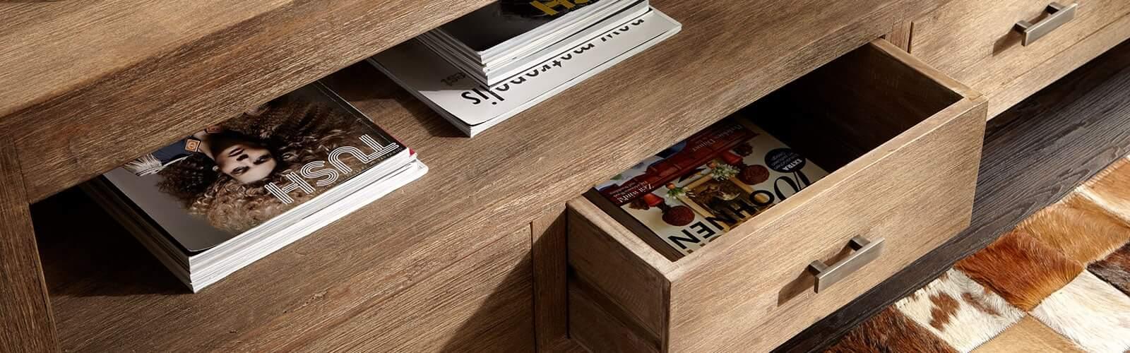 Möbel aus Akazie