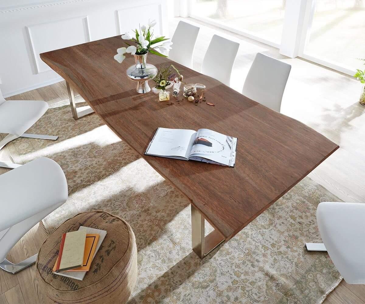 Akazie Möbel in Braun