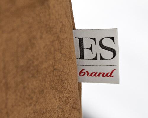 Logo ES Brands Badget sur le produit