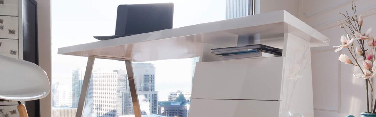 Hochglanz Möbel lackiert oder foliert