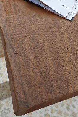 Live-Edge meubels in bruin