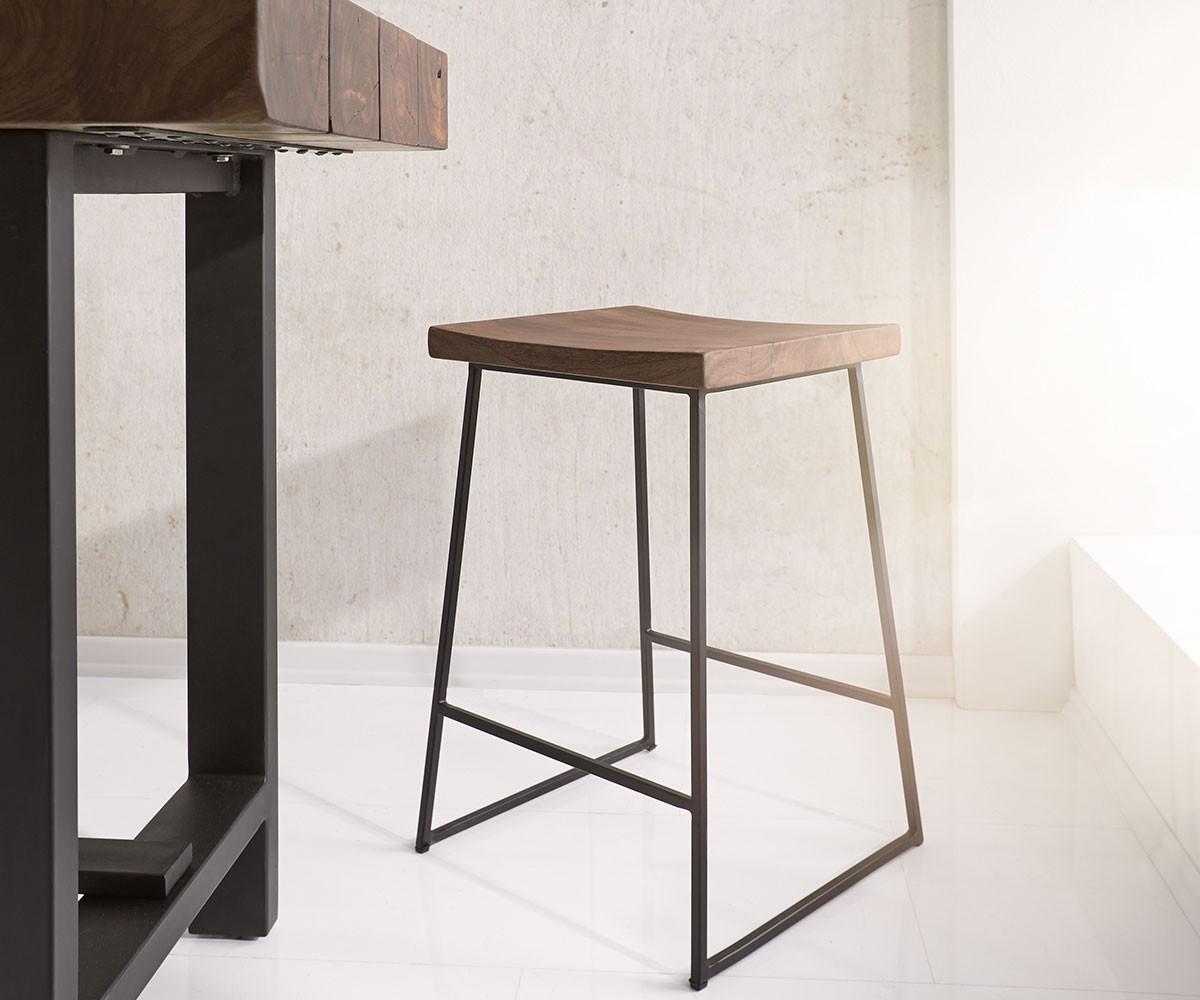 barstuhl blokk akazie braun metall mit fu ablage m bel. Black Bedroom Furniture Sets. Home Design Ideas
