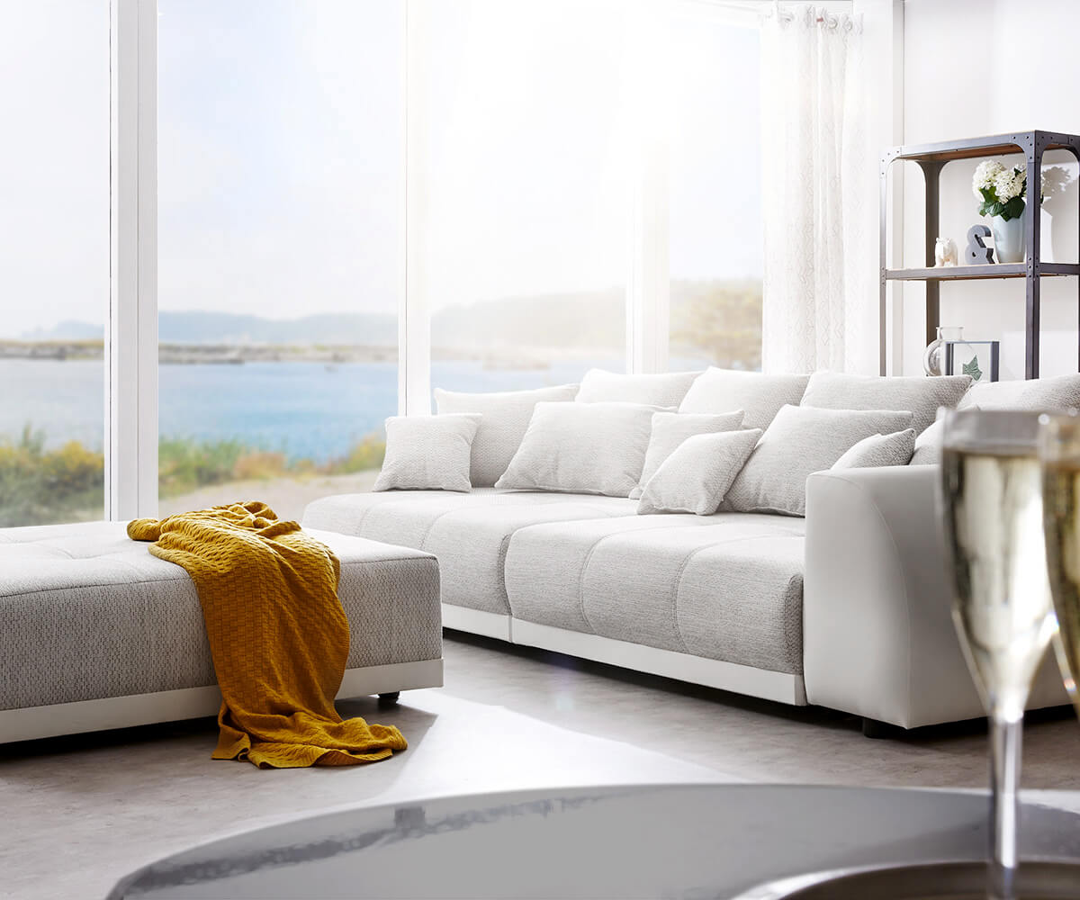 Big Sofa Violetta 310x135 Cm Hellgrau Creme Mit Hocker