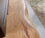 Fernsehtisch Live-Edge Akazie Natur 145 cm Ablagefach offen Baumkante Lowboard [10109]