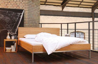 Massivholzbett JANNU - sachliches Designerbett - Kirschbaum massiv