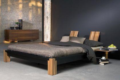 Futonbett CLASSIC - preisgekröntes Designerbett - in Esche massiv, schwarz lasiert