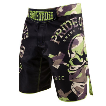 Pride Or Die Fight Shorts RAW TRAINING CAMP in Schwarz-Jungle Camo