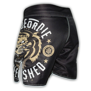 Pride Or Die Fight Shorts Unleashed in Schwarz