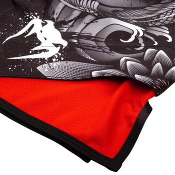 Venum Fight Shorts Koi 2.0 in Schwarz-Weiss
