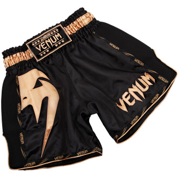 Venum Muay Thai Shorts Giant in Schwarz-Gold