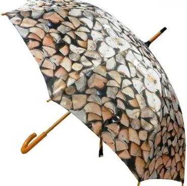 Regenschirm - Stockschirm - Kaminholz - Holzscheite