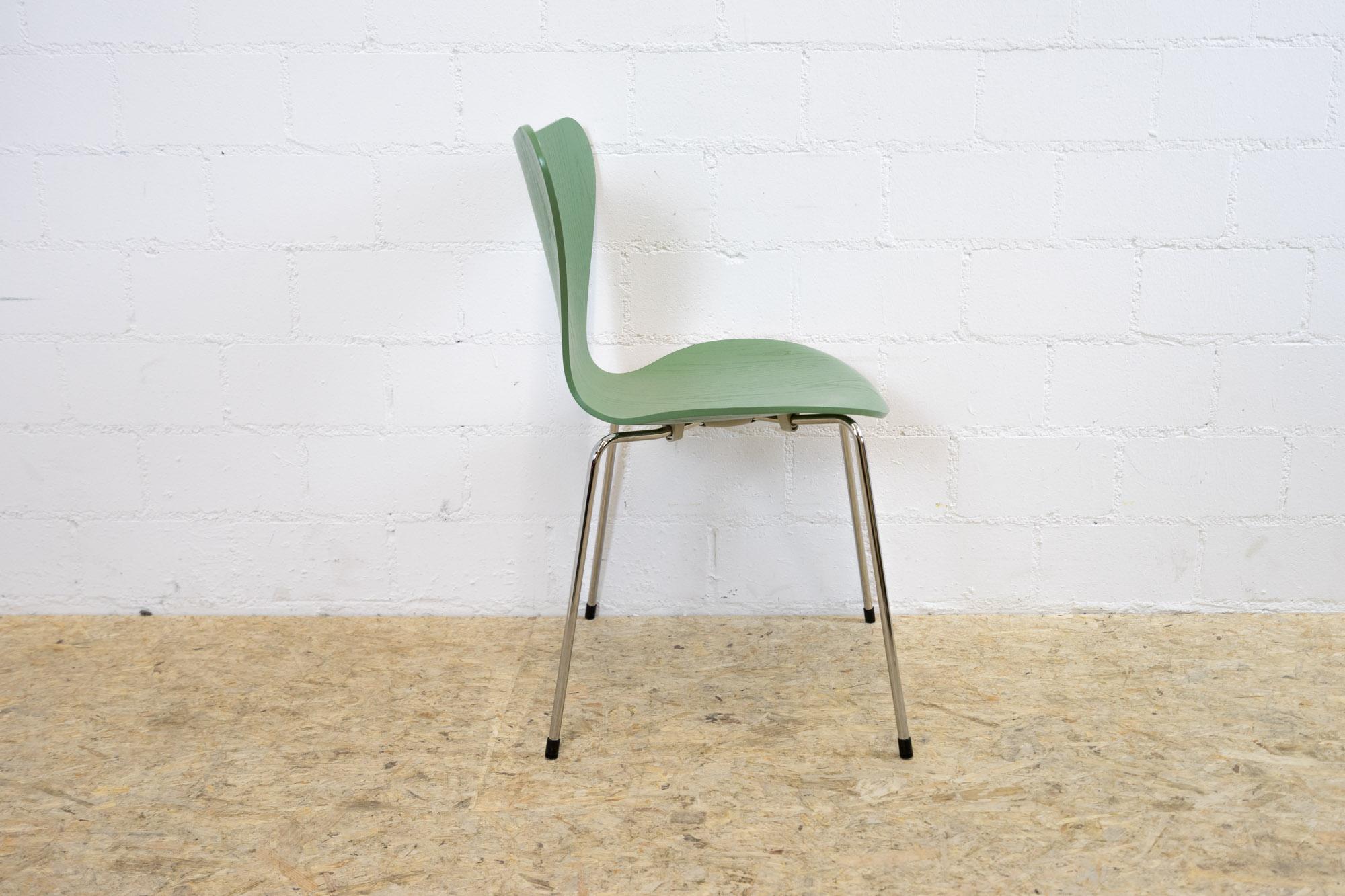 fritz hansen stuhl 3107 gr n. Black Bedroom Furniture Sets. Home Design Ideas
