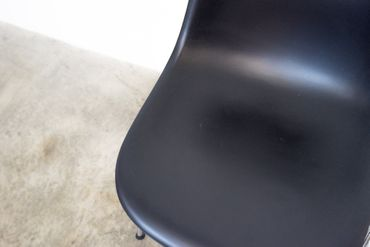 Vitra Eames Plastic Side Chair DSS Nr. 3 – Bild 6