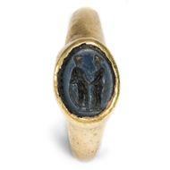 Nuptias in temporibus antiquis - Musealer Goldring mit Siegelstein aus Achat, 1. Jhd. n. Chr.. Photo © 2018 Hofer Antikschmuck Berlin