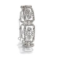 238 funkelnde Schätze - Außerordentliches Armband des Art Déco mit 11,35 ct Diamanten in Platin, um 1925. Photo © 2018 Hofer Antikschmuck Berlin