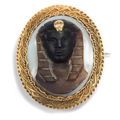 Wunderbare Dinge - Plastische Achat-Kamee als Brosche in Gold, Frankreich um 1870. Photo © 2018 Hofer Antikschmuck Berlin