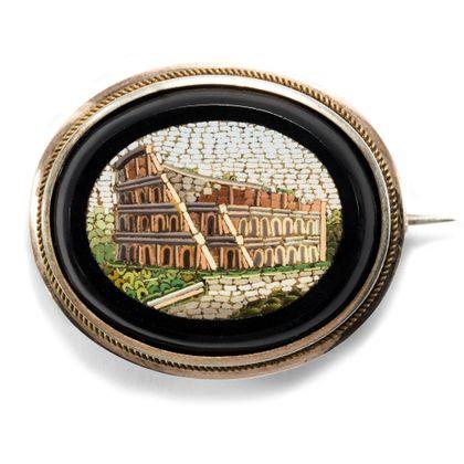 Ave Caesar, morituri te salutant - Antike Brosche mit Mikromosaik des Kolosseum, Rom um 1845. Photo © 2018 Hofer Antikschmuck Berlin