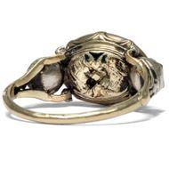 Für die Ewigkeit - Romantischer Fede-Ring mit Almandin-Kamee, Rokoko um 1750. Photo © 2018 Hofer Antikschmuck Berlin