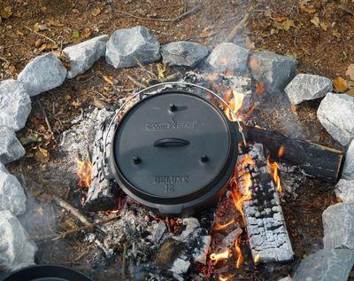 Dutch Oven Camp Chef Deluxe DO-10 Gusseisen-Kochtopf – Bild 5