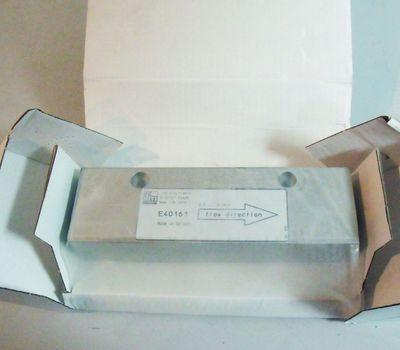 ifm efector300 E40161  Adapterblock für Durchfluss-Sensor  - unused - in OVP – Bild 1