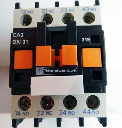 Telemecanique CA3 DN31BD CA3DN31BD ID. No. 023446 Hilfsschütz -unused/OVP- – Bild 1