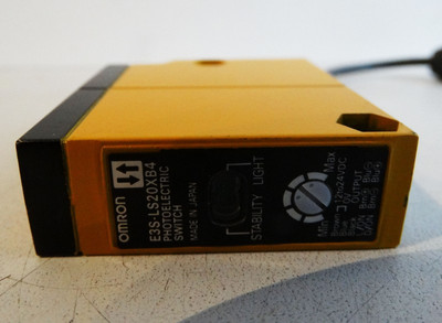Omron E3S-LS20X84 Photoelectric Switch -used- – Bild 2