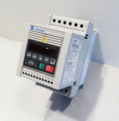 Allen Bradley 160-AA04NSF1  0,75 kW  Frequenzumrichter -used- – Bild 2
