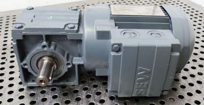 SEW Eurodrive Getriebemotor W20 DR63 L2 -unused- – Bild 1