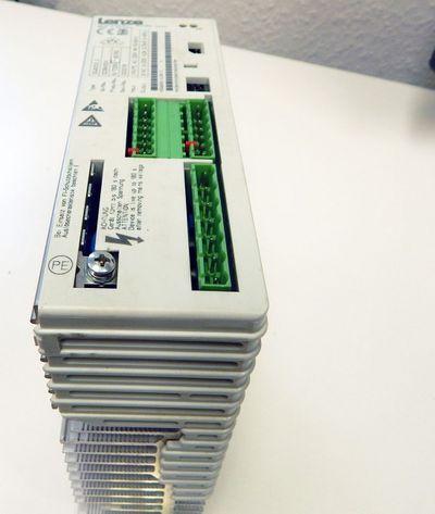 Lenze Frequenzumrichter 33.8202_E 0,75kW  ID:00384004  - used - – Bild 1