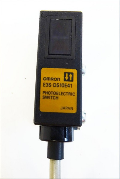 Omron E3S-DS10E41 E3S-DS10E41 Photoelectric Switch -used- – Bild 2