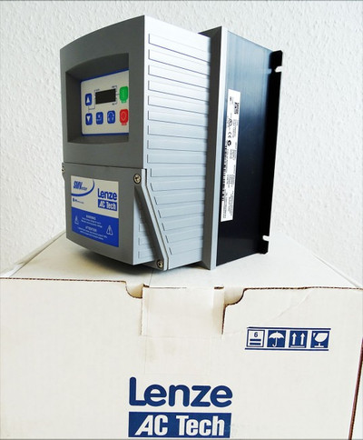 Lenze AC Tech ESV152N04TFE 000XX1D31 1.5 KW/2 HP 400/480V -unused/OVP- – Bild 1