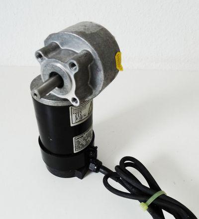 Lenze PM 13.171.52.3.2.0 Servo-Motor -used- – Bild 1