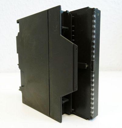 Siemens Simatic 6ES7 332-5HB00-0AB0 6ES7332-5HB00-0AB0 E: 01 -used/Deckel fehlt- – Bild 1